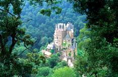 Средневековый замок Бург Эльц