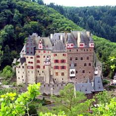Крепость Бург Эльц в Германии