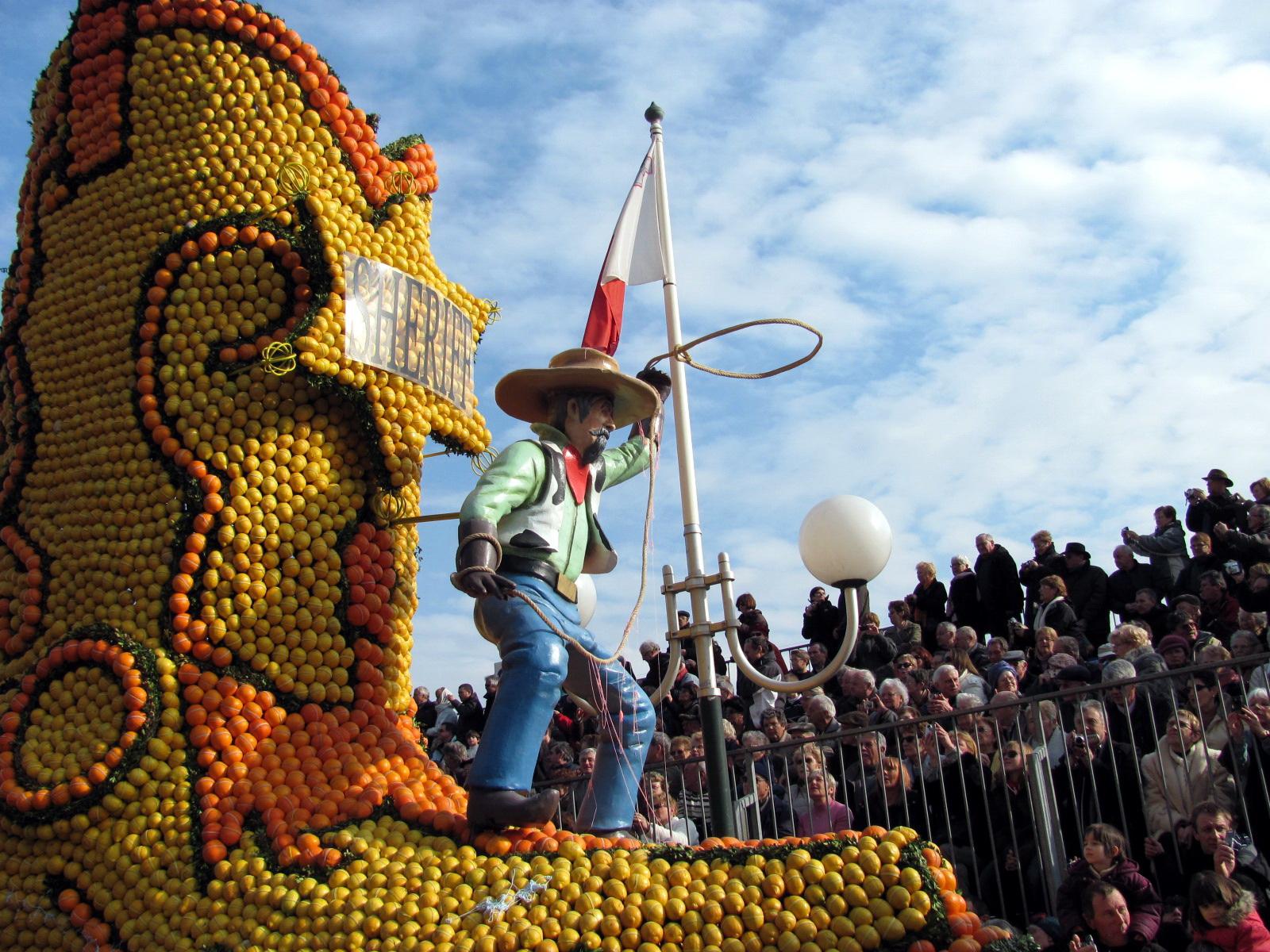 Праздник лимонов в Ментоне