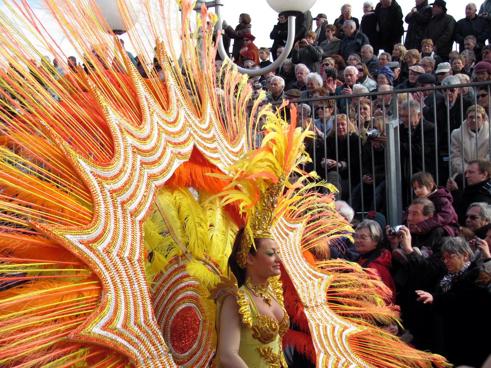 Карнавальное шествие в Ментоне