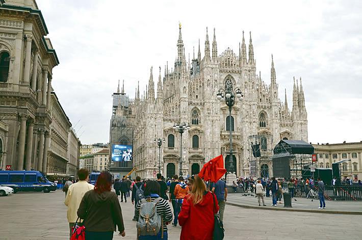 Миланский собор (вид с площади)