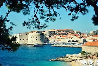 Банье - популярный пляж Дубровника