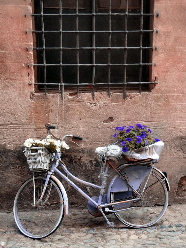 Узкие улочки очаровательных городков Чинкве-Терре. Хотя такой пейзаж можно встретить чуть ли не в любом уголке Италии!