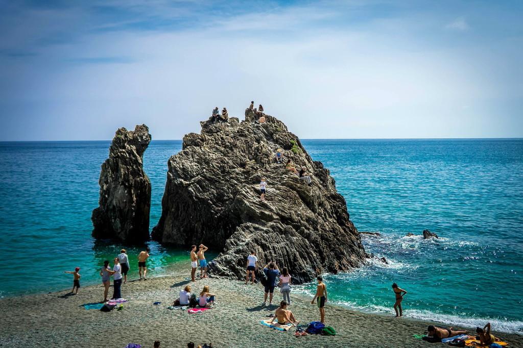 Пляжи Чинкве-Терре (Италия)