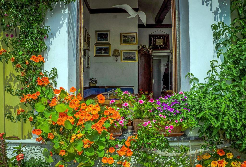 Игрушечные домики в Чинкве-Терре. Местные жители стараются еще больше украсить и без того волшебное место!