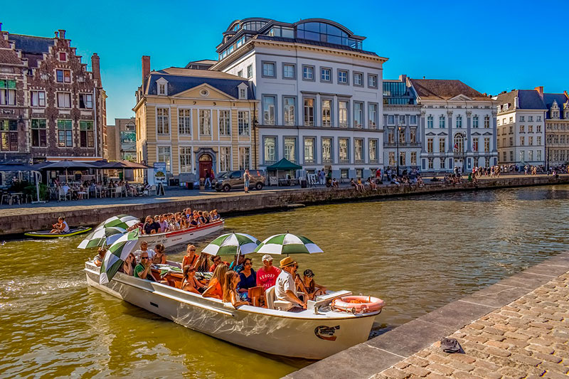 Экскурсии в Генте: прогулка на кораблике по каналам