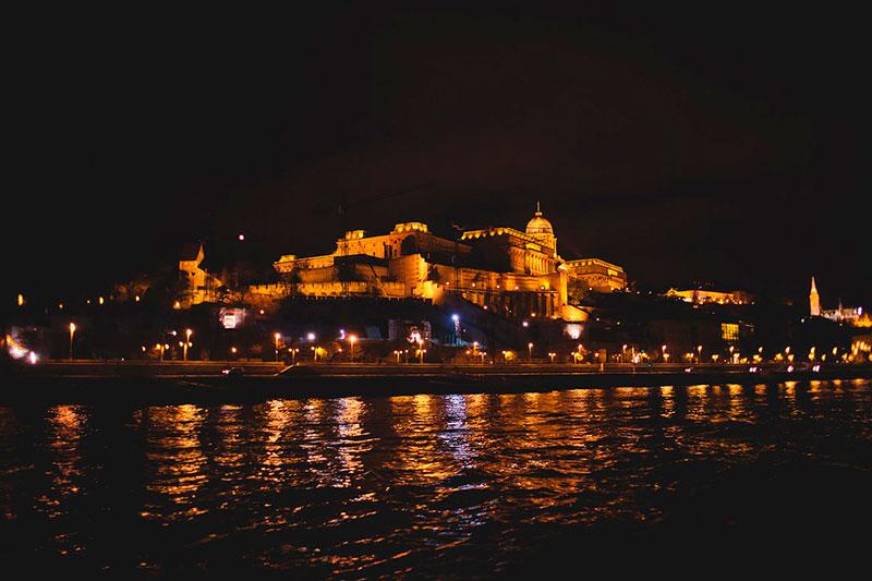 Чем заняться в Будапеште: прогулка по Дунаю